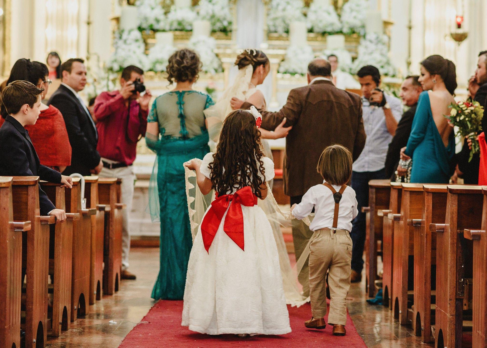 02boda-wedding-ceremonia-templo-barrio-del-encino-aguascalientes-fotografo-luis-houdin49