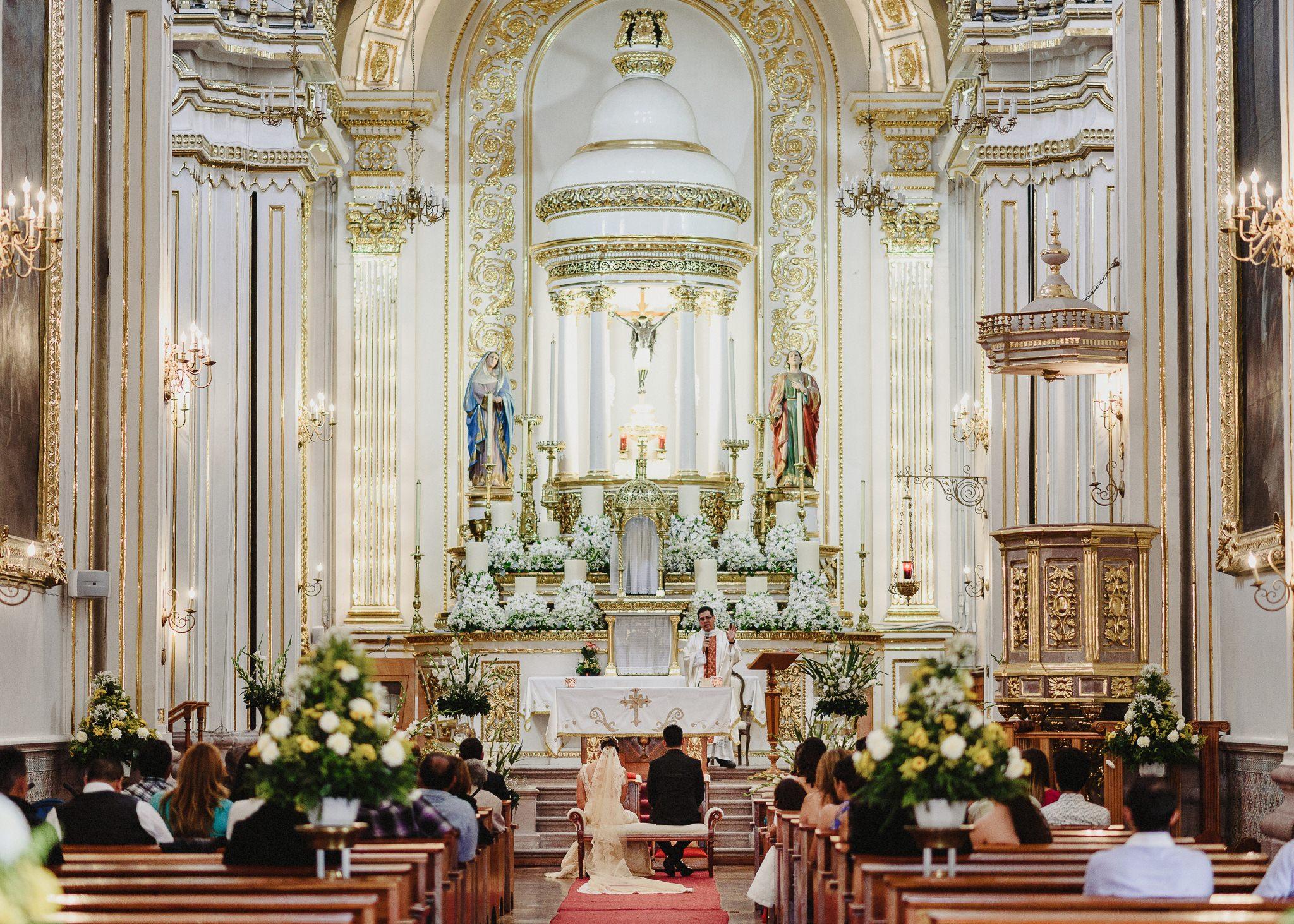 02boda-wedding-ceremonia-templo-barrio-del-encino-aguascalientes-fotografo-luis-houdin53