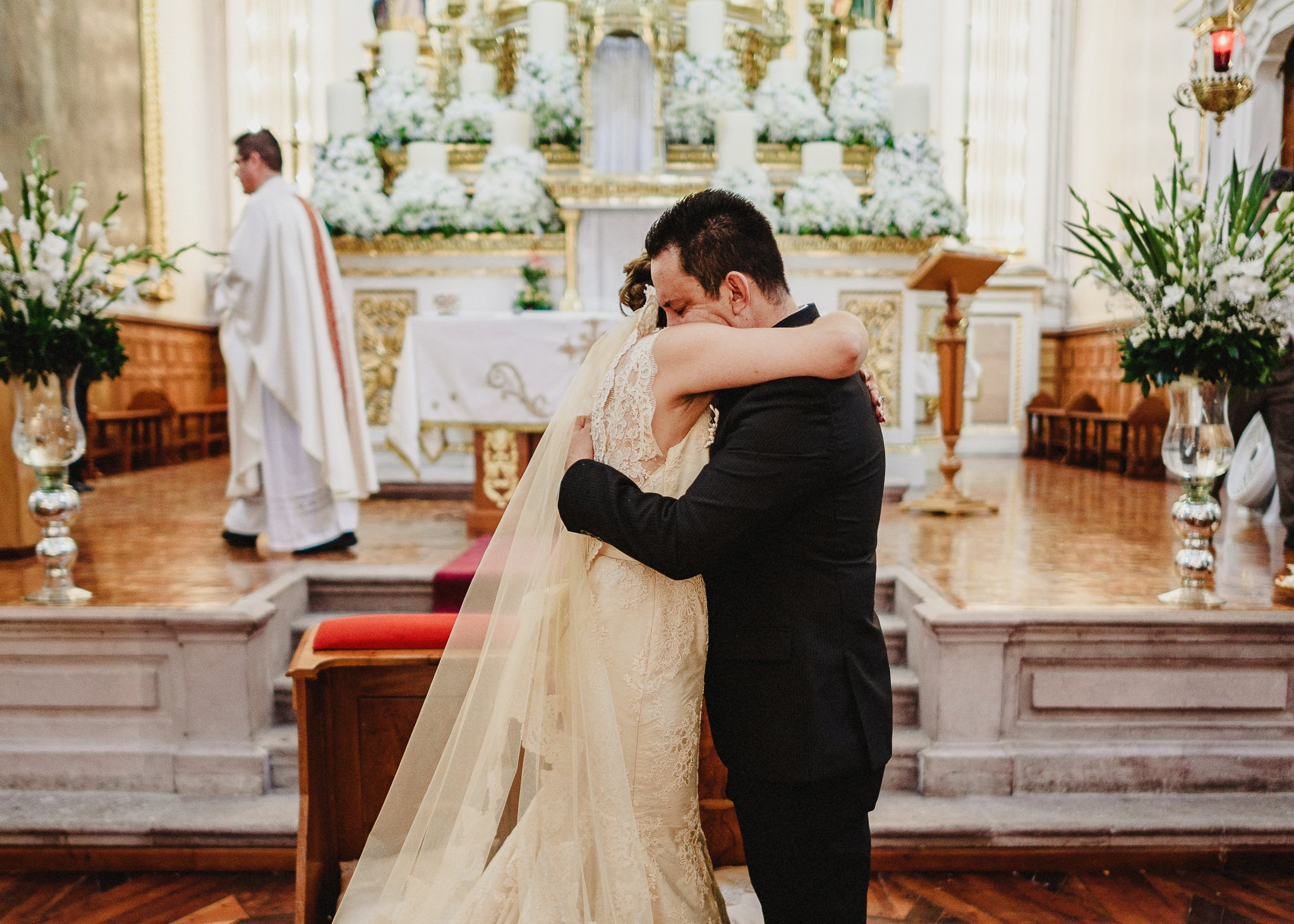 02boda-wedding-ceremonia-templo-barrio-del-encino-aguascalientes-fotografo-luis-houdin68
