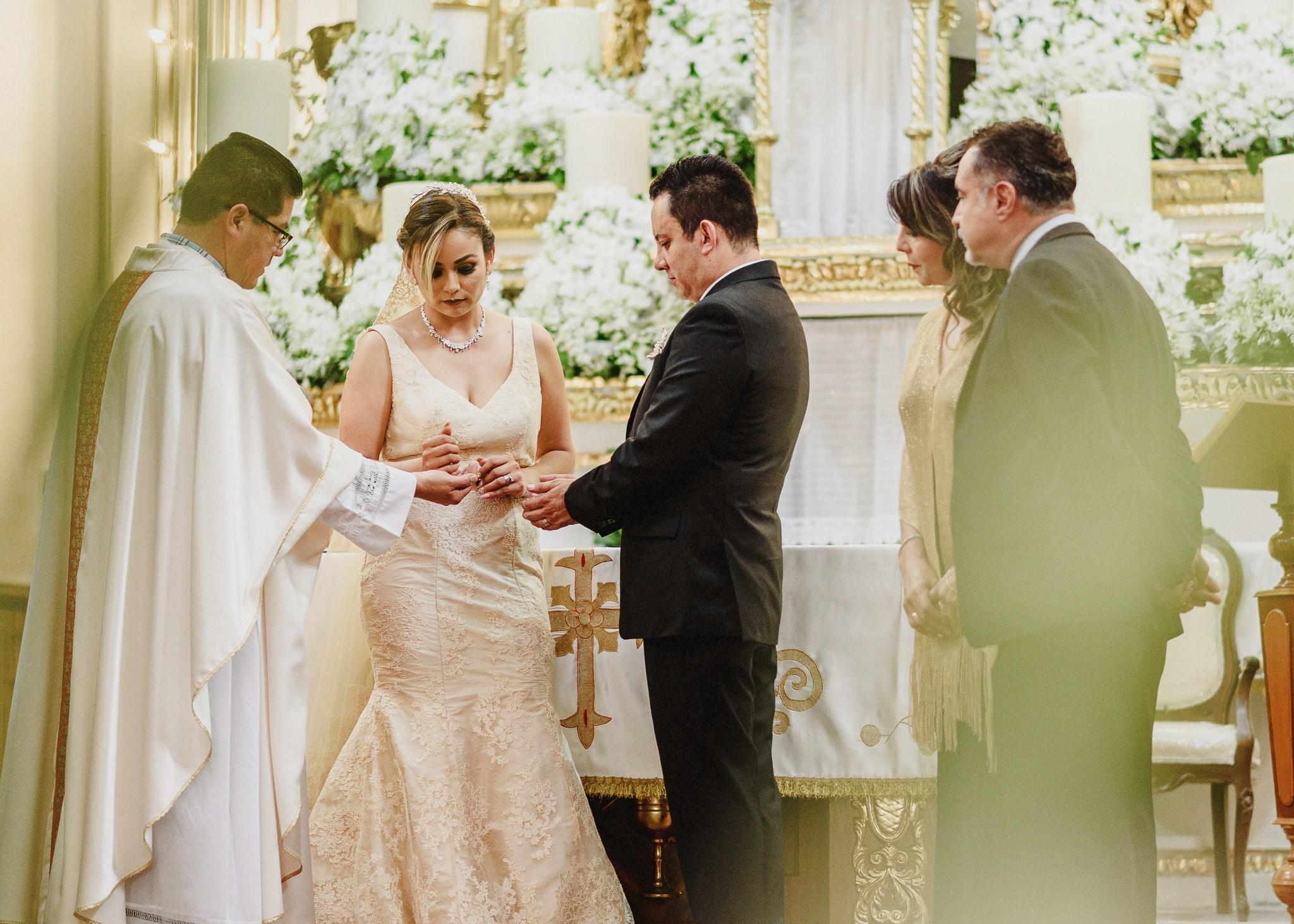 02boda-wedding-ceremonia-templo-barrio-del-encino-aguascalientes-fotografo-luis-houdin61