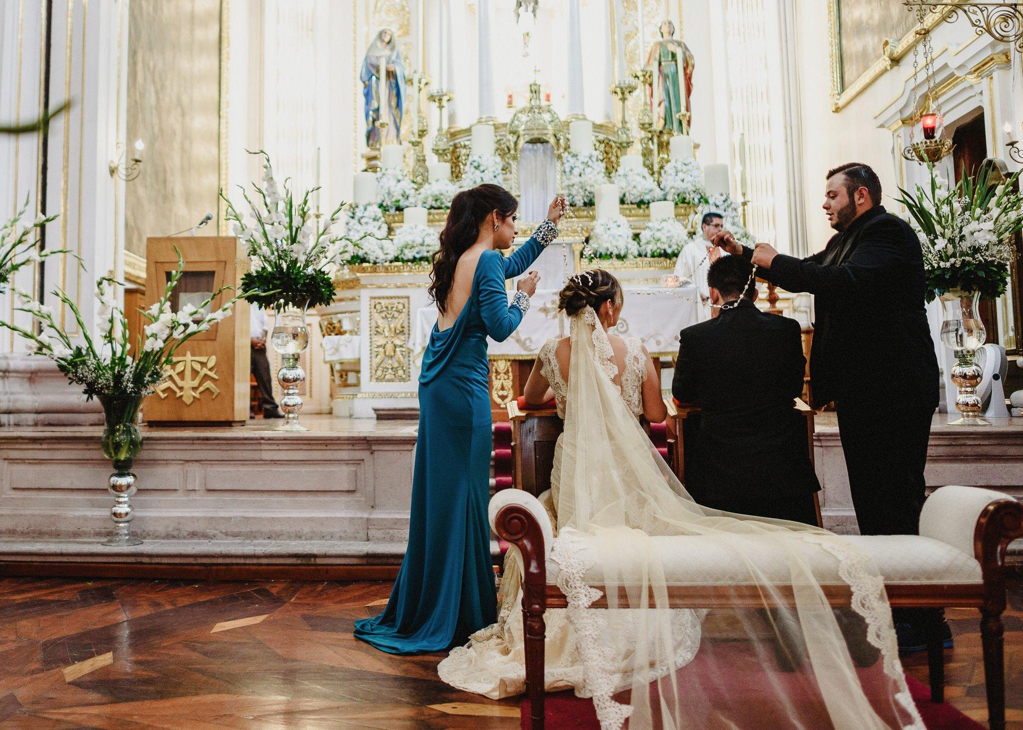 02boda-wedding-ceremonia-templo-barrio-del-encino-aguascalientes-fotografo-luis-houdin67